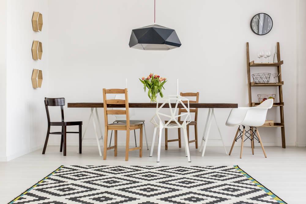 En el mundo existen tantas sillas y mesas como usos diferentes tenemos de ellas