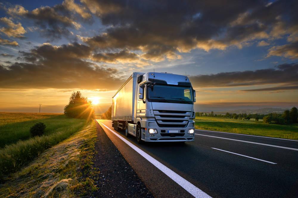 El transporte de mercancías por carretera servicio base de muchas industrias españolas