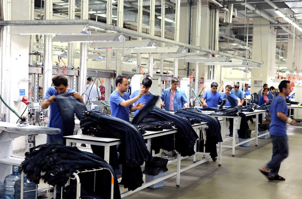 La industria textil debe reinventarse para competir contra los gigantes del comercio